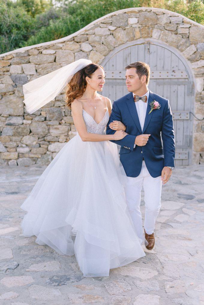 An amazing wedding in Mykonos by Elias Kordelakos - 031