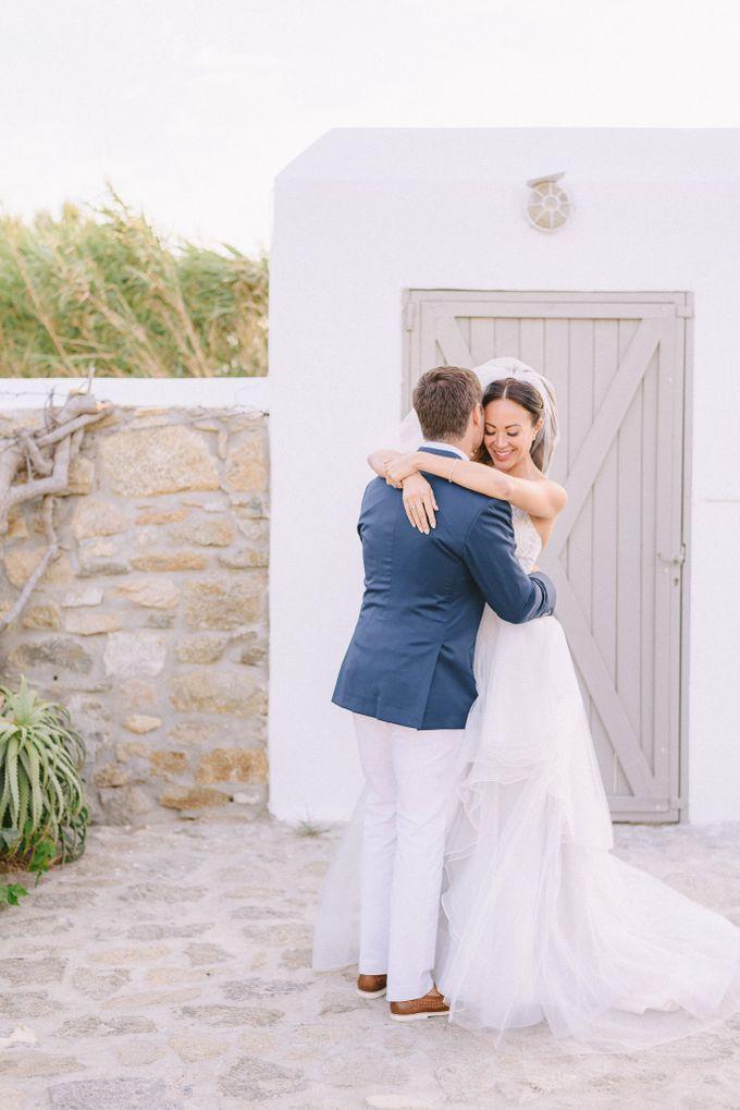 An amazing wedding in Mykonos by Elias Kordelakos - 036