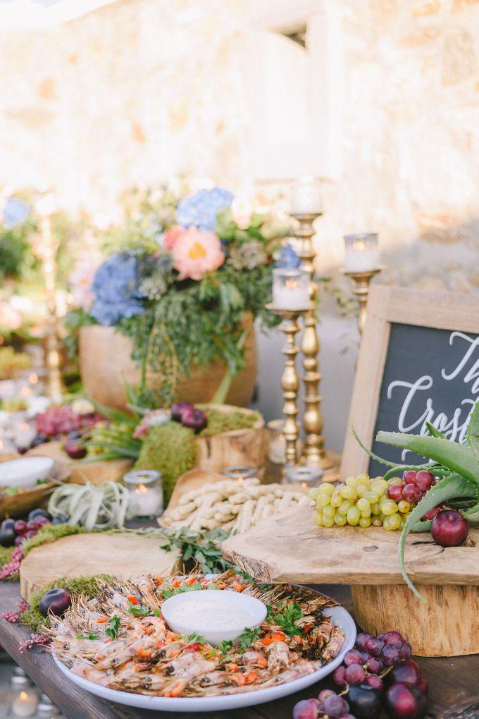 An amazing wedding in Mykonos by Elias Kordelakos - 040