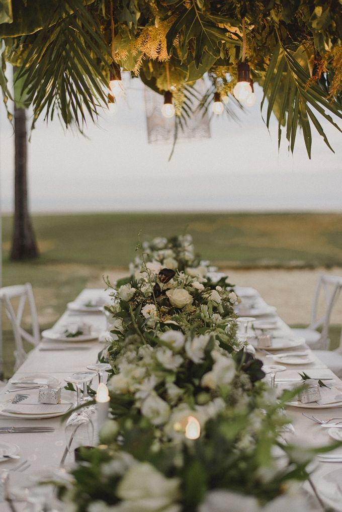 Modern Tropical Wedding by DIJON BALI CATERING - 006