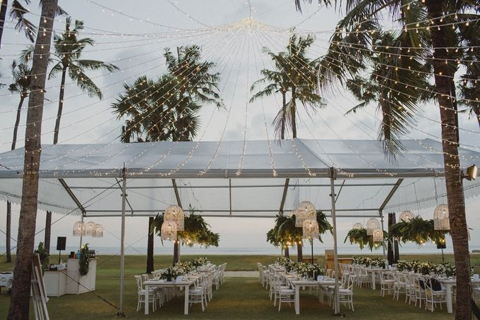 Modern Tropical Wedding by DIJON BALI CATERING - 008