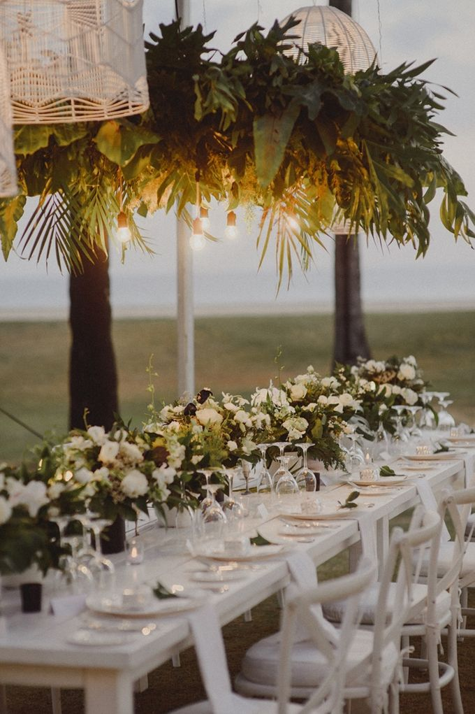 Modern Tropical Wedding by DIJON BALI CATERING - 009