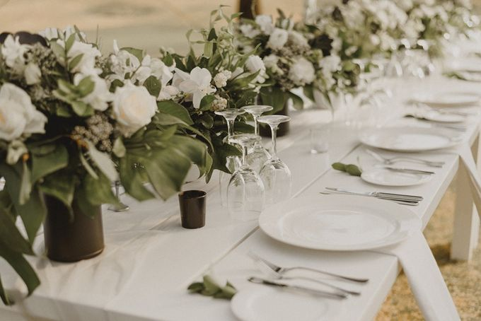 Modern Tropical Wedding by DIJON BALI CATERING - 002
