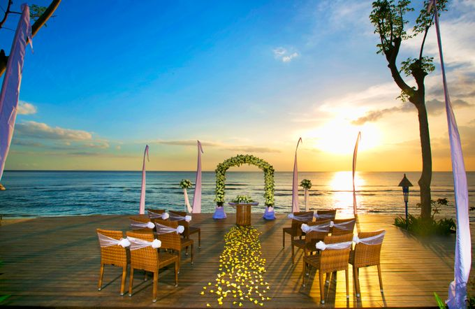 Wonderfull beach wedding at Senggigi beach - Lombok by Sudamala Resorts - 012