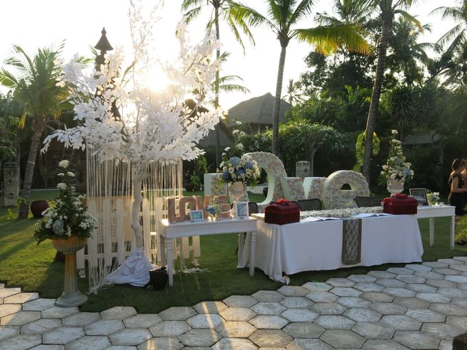 Wonderfull beach wedding at Senggigi beach - Lombok by Sudamala Resorts - 014
