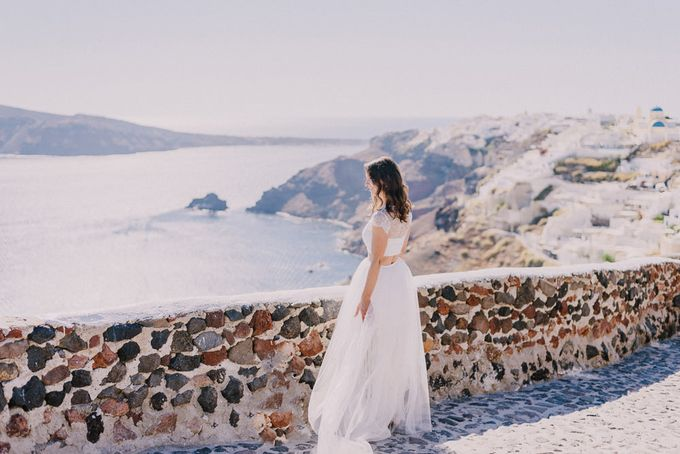 Elopement in Santorini by Elias Kordelakos - 017