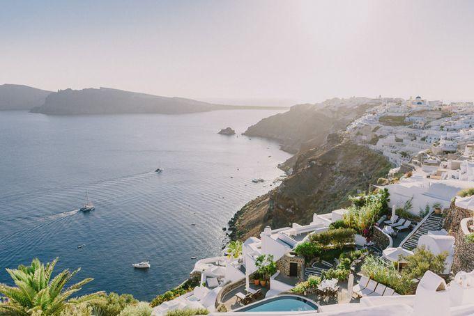 Elopement in Santorini by Elias Kordelakos - 002