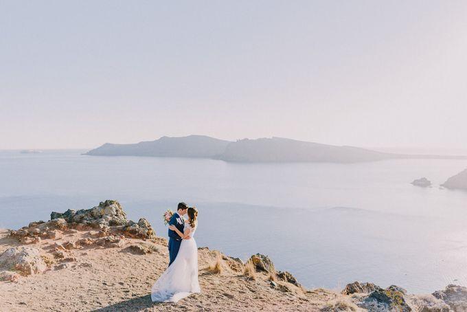 Elopement in Santorini by Elias Kordelakos - 030