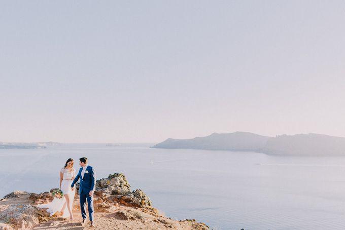 Elopement in Santorini by Elias Kordelakos - 032