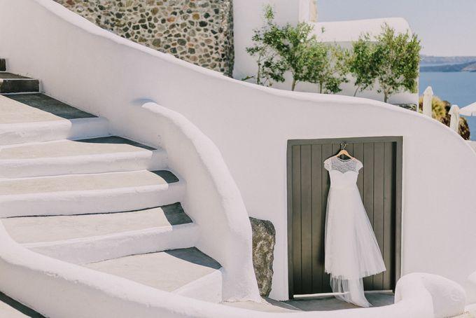 Elopement in Santorini by Elias Kordelakos - 006