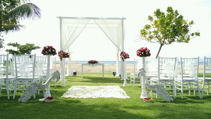 Garden & Beach Wedding by Holiday Inn Resort Baruna Bali - 011