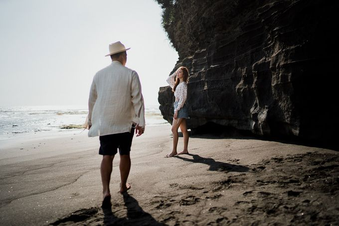 Black sand beach and cliff bali by Maxtu Photography - 007