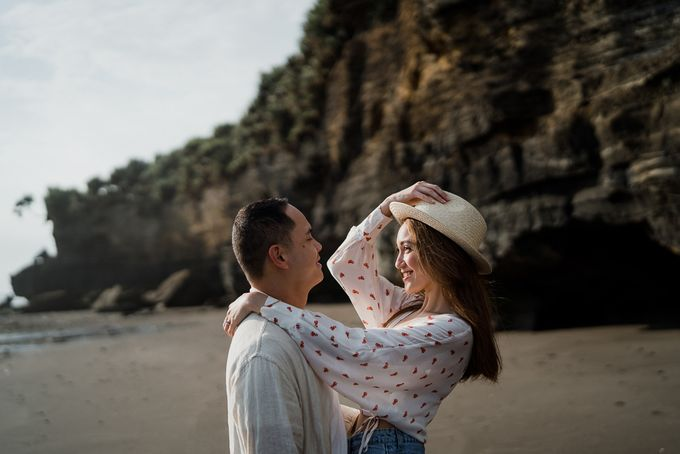 Black sand beach and cliff bali by Maxtu Photography - 028