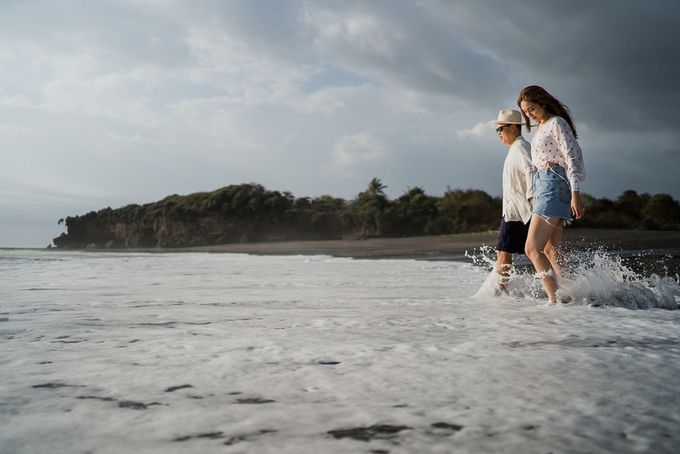 Black sand beach and cliff bali by Maxtu Photography - 031
