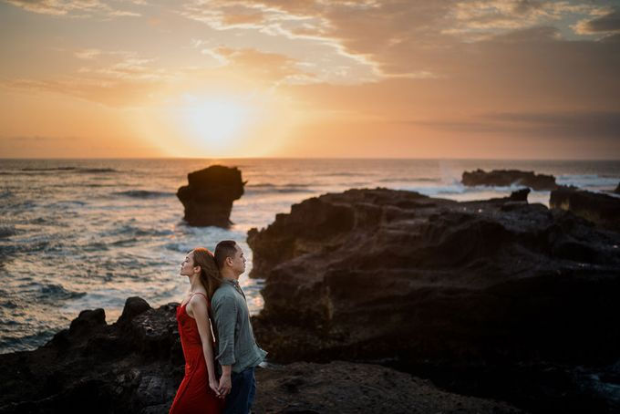 Black sand beach and cliff bali by Maxtu Photography - 038