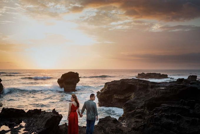 Black sand beach and cliff bali by Maxtu Photography - 039