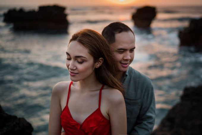 Black sand beach and cliff bali by Maxtu Photography - 042