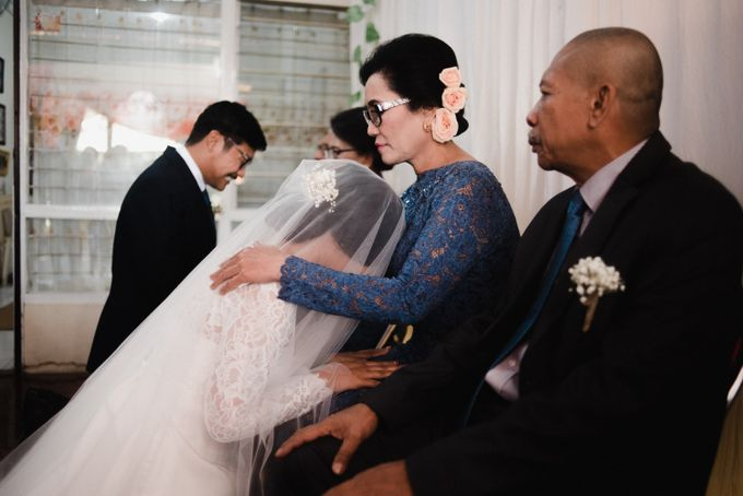 Tika and Kiki  | WEDDING by MERAWI - 015