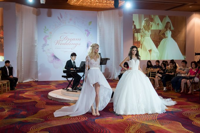 Bridal Gown Fashion Show At Mandarin Orchard Singapore by La Belle Couture Weddings Pte Ltd - 033