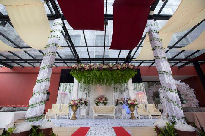 Wedding Hegarmanah Music & Lounge by Padjadjaran Suites resort & Convention - 002