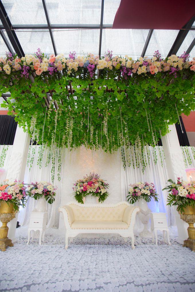 Wedding Hegarmanah Music & Lounge by Padjadjaran Suites resort & Convention - 003
