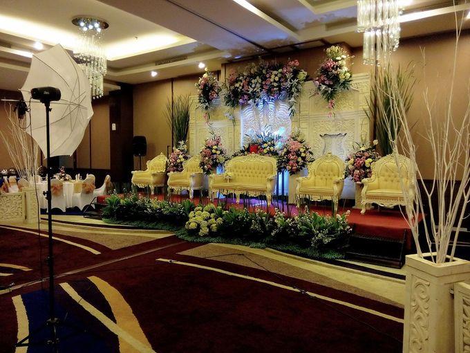 Wedding by hotel horison bogor bridestory add to board wedding by hotel horison bogor 002 junglespirit Gallery