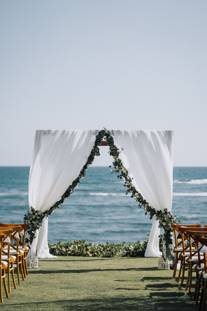 Simple Tropical Summer Wedding at Taman Ahimsa Bali by Silverdust Decoration - 008
