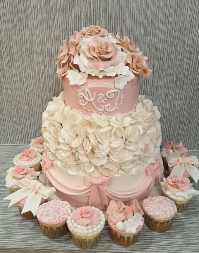a glimpse of  my  works by In the Clouds Cakes & Events - 003