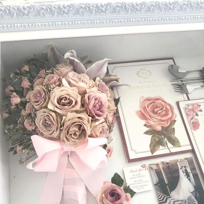 Edwin & Ivana Pinkish Bouquet by CONSERVÉ FLOWER PRESERVATION - 002