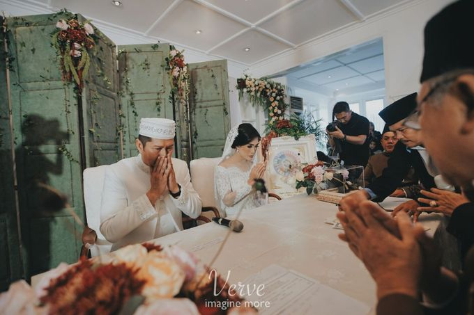 WEDDING CEREMONY OF ANGGINA & JUSTIN by Barli Asmara Couture - 001