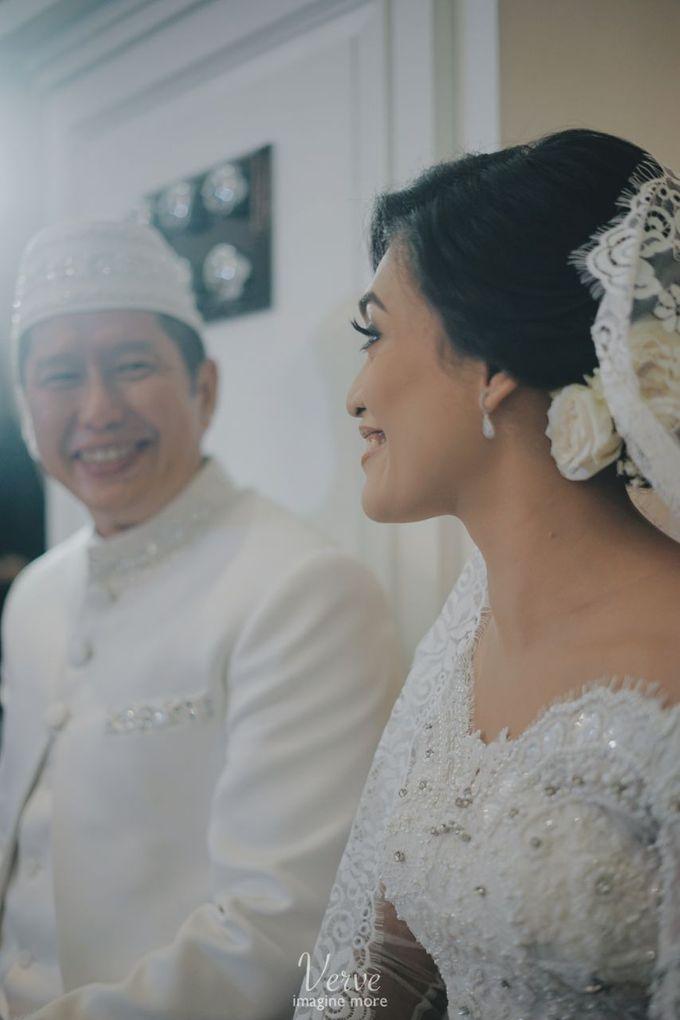 WEDDING CEREMONY OF ANGGINA & JUSTIN by Barli Asmara Couture - 005
