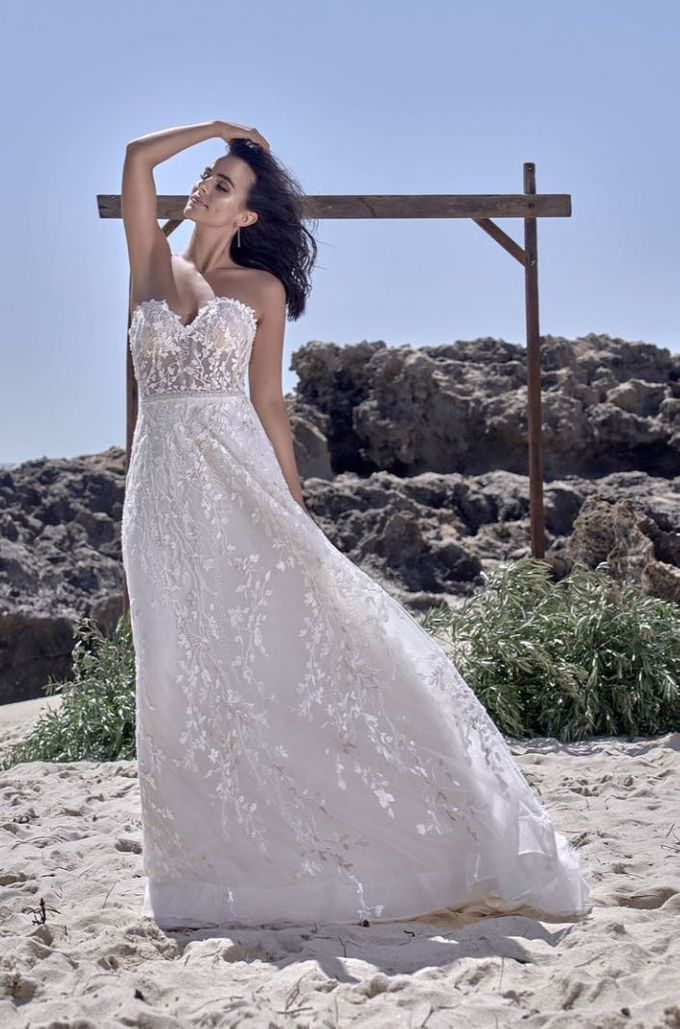 Charmed by Rae by Made In Heaven Brides - 010
