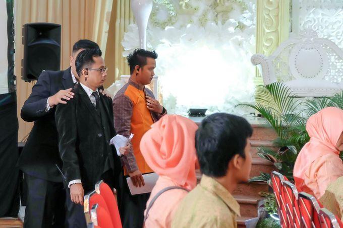 Wedding at Gedung Graha Sativa Kranggan by Handy Talky Rental bbcom - 006