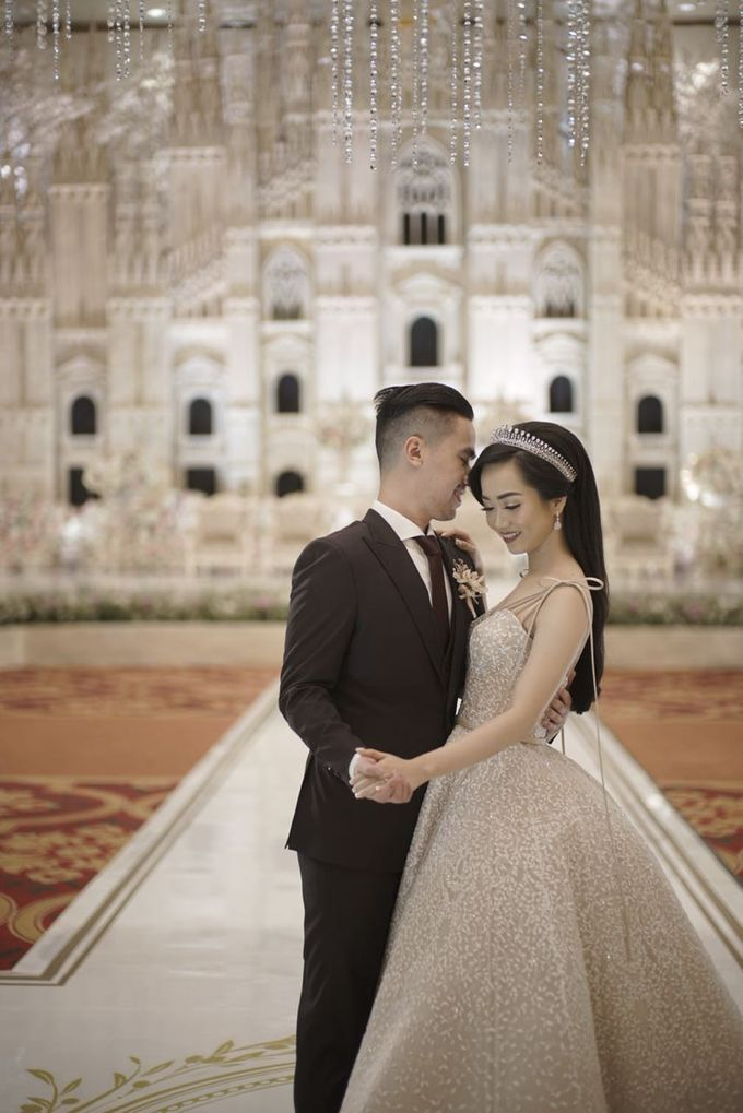 Ritz Carlton PP - Samuel & Indri by Maestro Wedding Organizer - 004