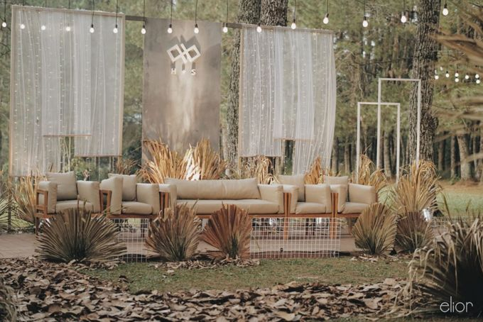 The Intimate Wedding between Two Haters of Fresh Flowers by Elior Design - 033