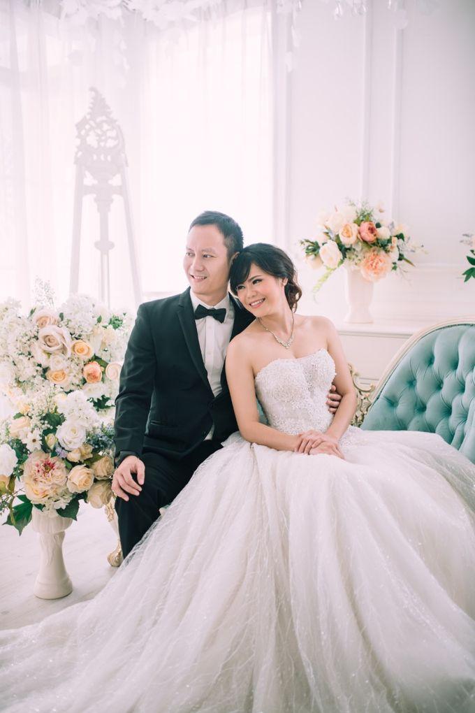 5866136dc539c Add To Board Indoor Prewedding by Elina Wang Bridal - 001