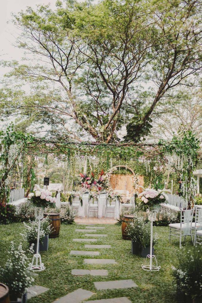 ANGGI & WIKA by Raffles Hills Cibubur - On Green Garden Venue - 006