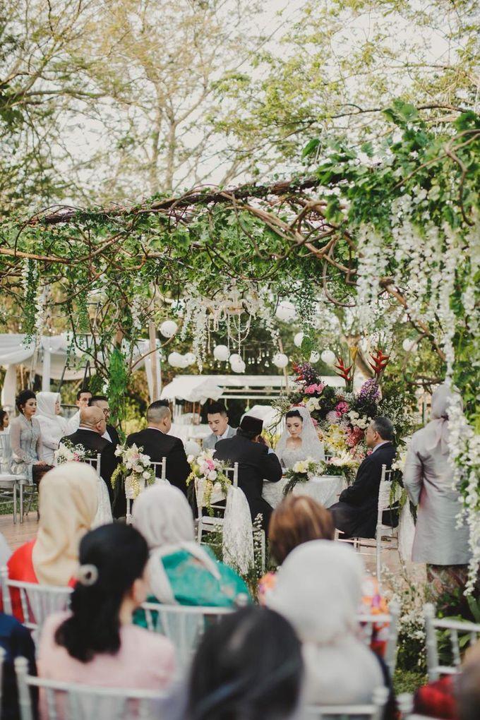 ANGGI & WIKA by Raffles Hills Cibubur - On Green Garden Venue - 012