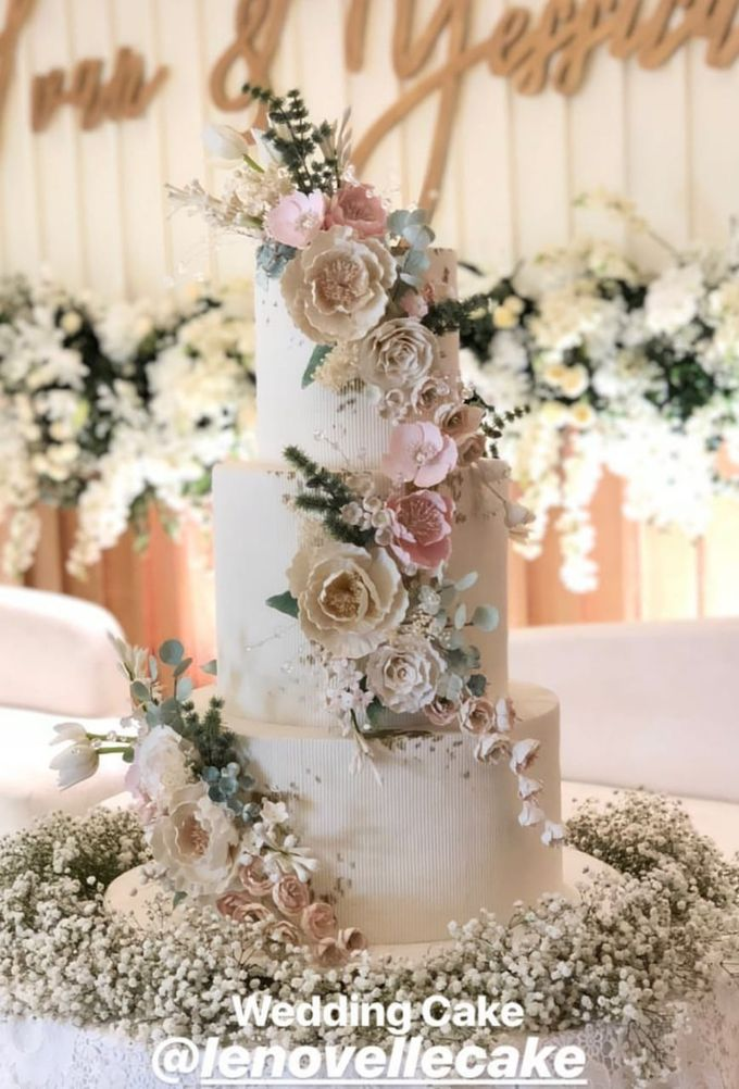 3 layers wedding cakes by LeNovelle Cake - 019