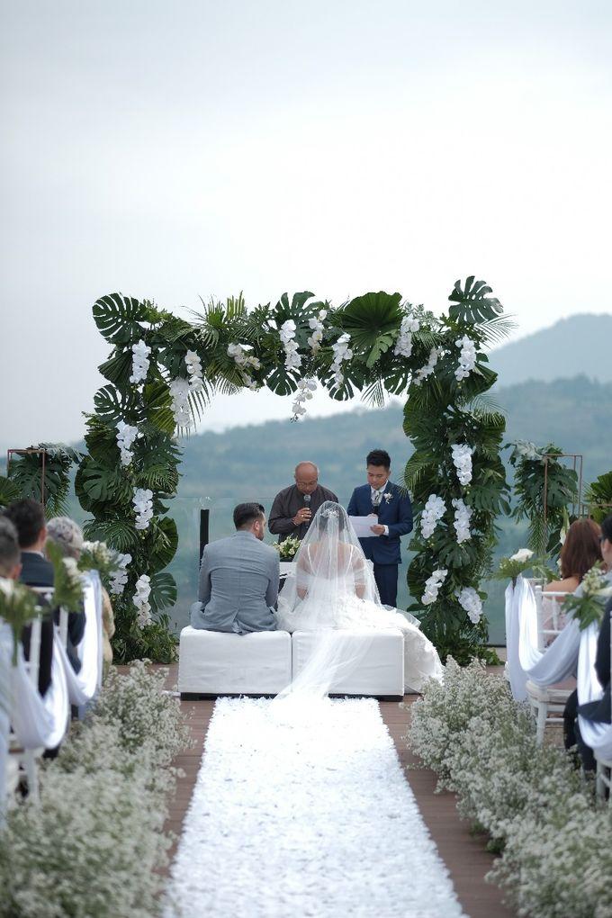Raphael & Alice by Royal Tulip Gunung Geulis Resort & Golf - 014