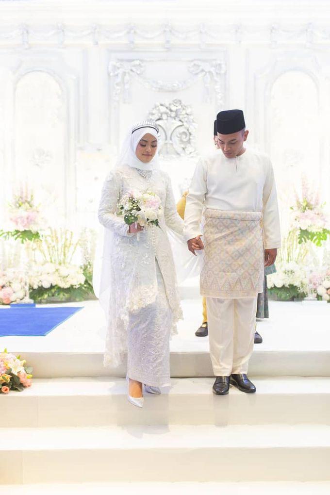 Atiah & Zaini Wedding in Johor Bahru, Malaysia by SVARNA by IKAT Indonesia Didiet Maulana - 003