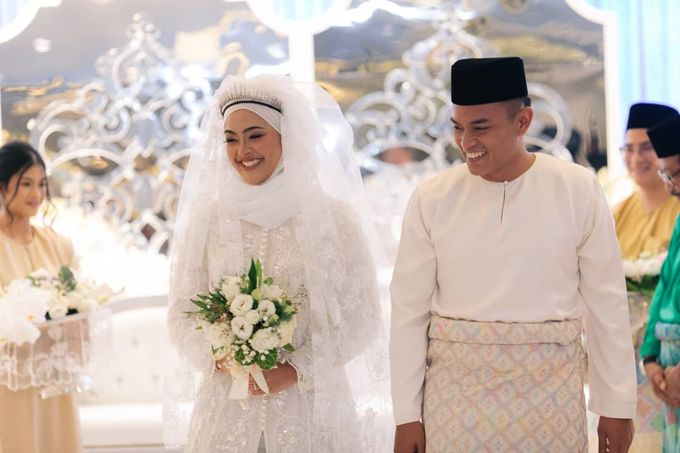 Atiah & Zaini Wedding in Johor Bahru, Malaysia by SVARNA by IKAT Indonesia Didiet Maulana - 006