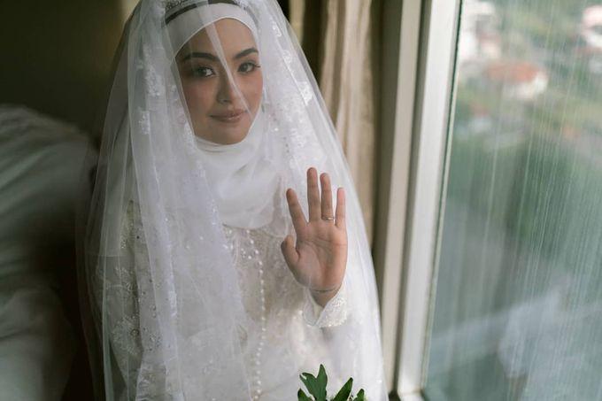 Atiah & Zaini Wedding in Johor Bahru, Malaysia by SVARNA by IKAT Indonesia Didiet Maulana - 008