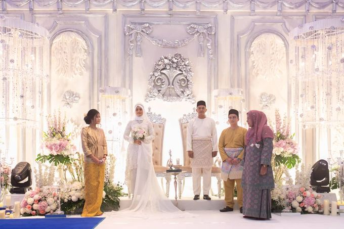 Atiah & Zaini Wedding in Johor Bahru, Malaysia by SVARNA by IKAT Indonesia Didiet Maulana - 015
