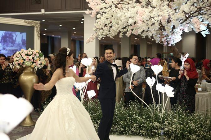 a05d7acb709ba Add To Board Wedding of Raymond & Lia by Elina Wang Bridal - 001