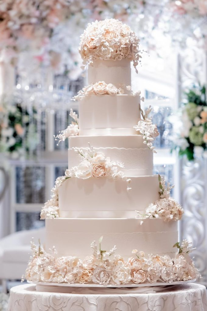 5 & 6 Tiers Wedding Cake by LeNovelle Cake - 010