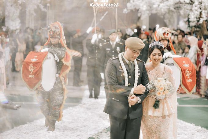 Ingrida Wedding by SVARNA by IKAT Indonesia Didiet Maulana - 005