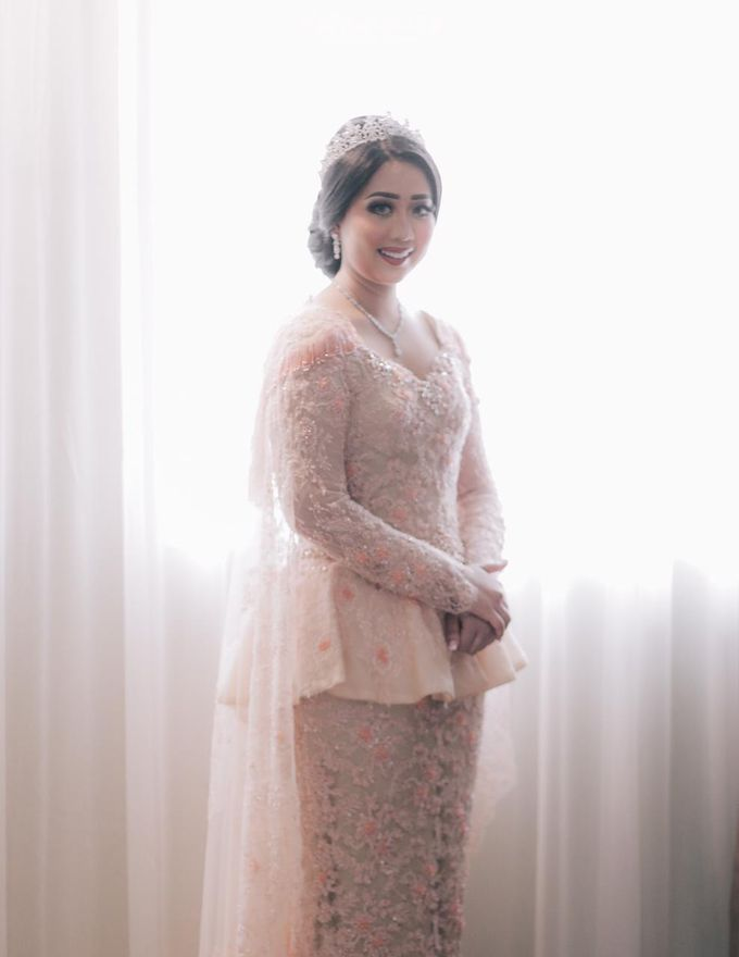 Ingrida Wedding by SVARNA by IKAT Indonesia Didiet Maulana - 007
