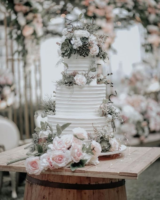 3 Tiers by Amor Cake - 001
