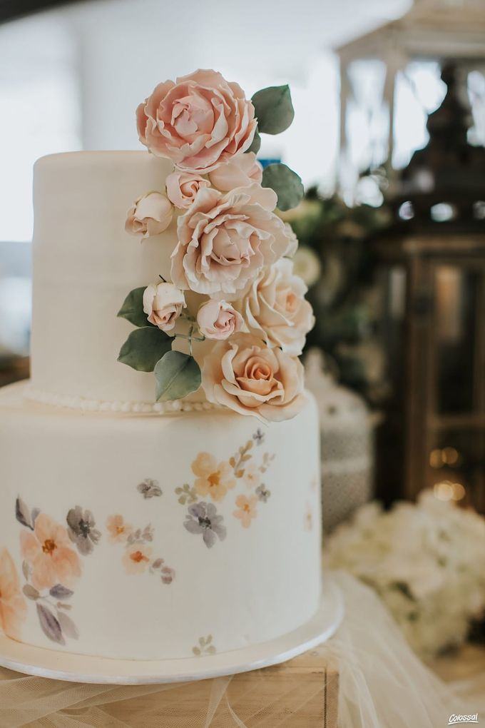 Two Tiers by Gordon Blue Cake - 002
